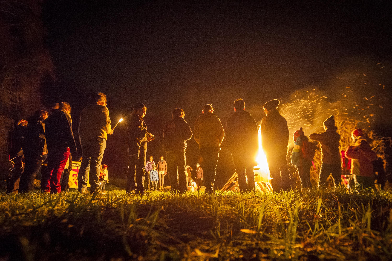 Rheinland-Pfalz/ Die Pfadfinder von Dieblich behehen am Samstag (21.12.13) bei Dieblich die Sonnenwendfeier. Foto: Sascha Ditscher